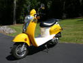 2005 Schwinn Scooter yellow white 608 001